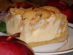 Budyniowa pianka z jabłkami na i pod kruchym ciastem