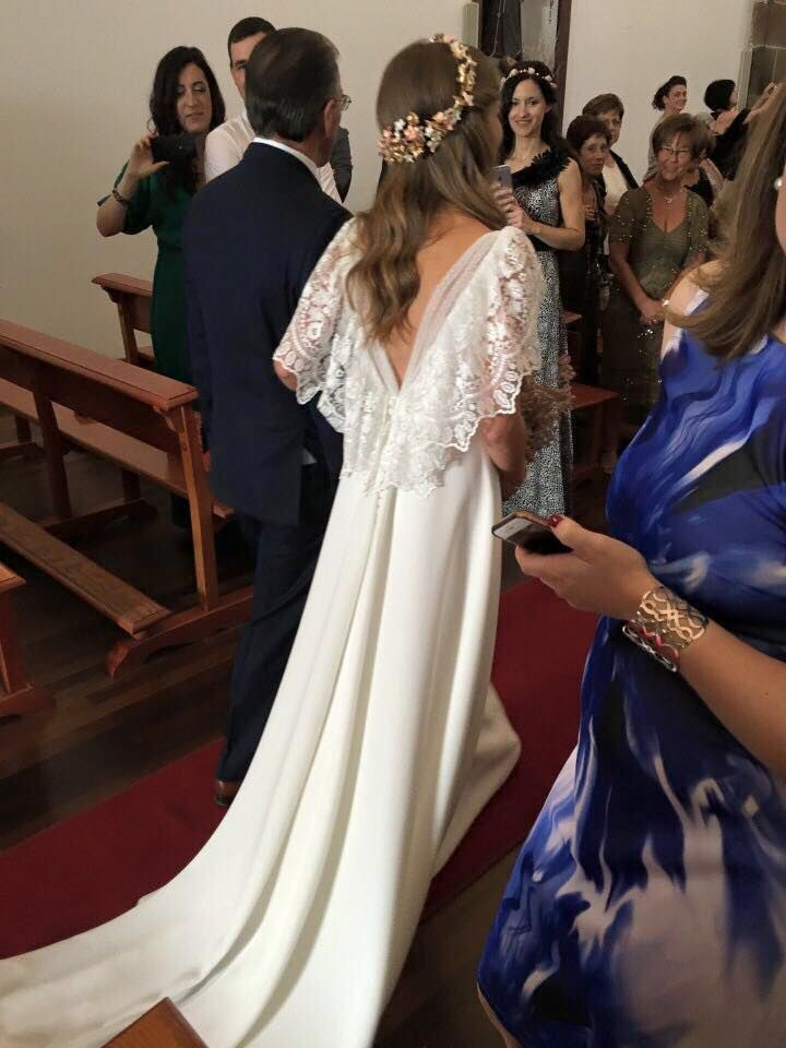 Elegent falda hasta con elegante morena