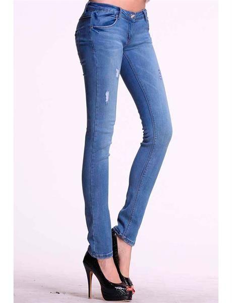 Модные брюки джинсы