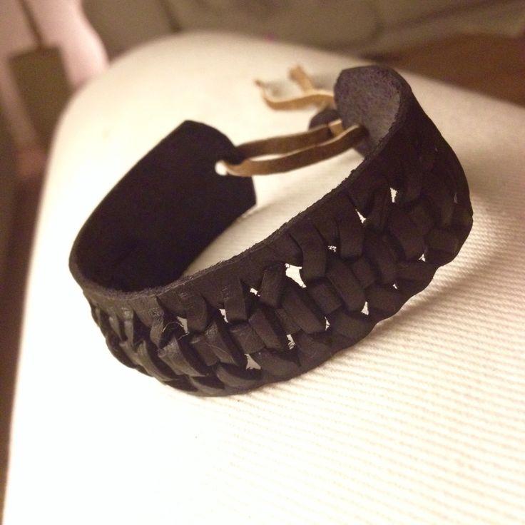 Leather Bracelet - Black By: Mischa Stæhr