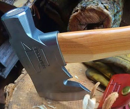 The Survivalist Hatchet - https://tiwib.co/the-survivalist-hatchet/ #Camping+Outdoors, #ToolsAccessories, #WeaponsArmor #gifts #giftideas #2017giftideas #xmas