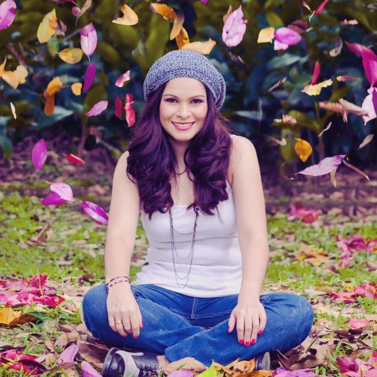 Tras el éxito del primer sencillo musical Me Bastas Túdel CD Como Lluvia en Primavera, la colombiana Sarah Alzate presenta Gracias, su segundo sencillo, con la …