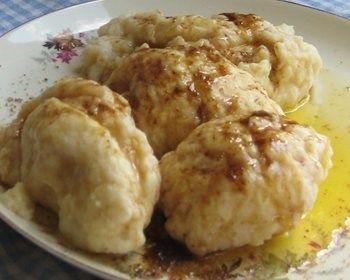 Couques (couilles de Suisses). dessert de la région de Binche .