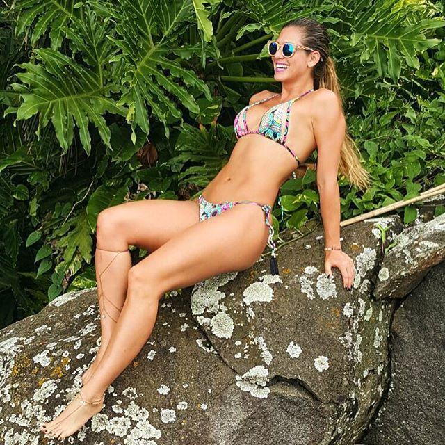 Lívia Andrade's Feet << wikiFeet