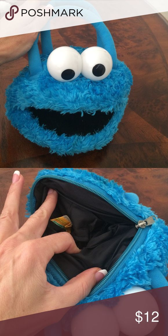 Cookie monster Halloween purse Cookie Monster Halloween purse perfect for Girl Scout costume that's what I wore with only used that 1x make offer!  🎃🎃🎃 Bags Mini Bags