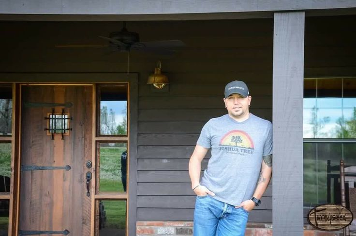 Jason Aldean at his new lodge