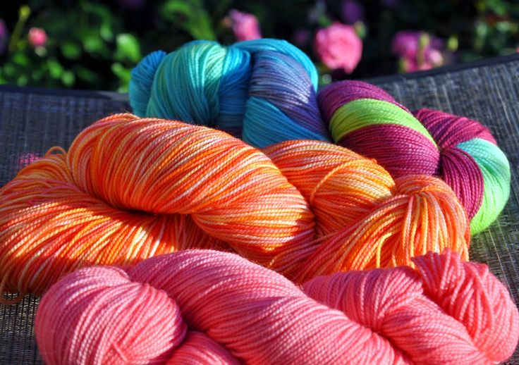 Hand-painted yarn from @aimeeculv
