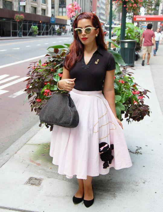 1950s vintage poodle skirt   1950's Vintage Fashion Style