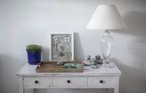 small hall table in white with collection