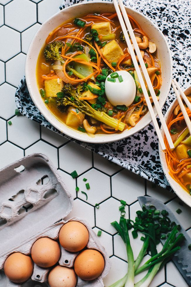 Start out your new year right with this super healthy Carrot-Noodle Vegetarian Ramen. It's packed full of flavor and good for you ingredients!