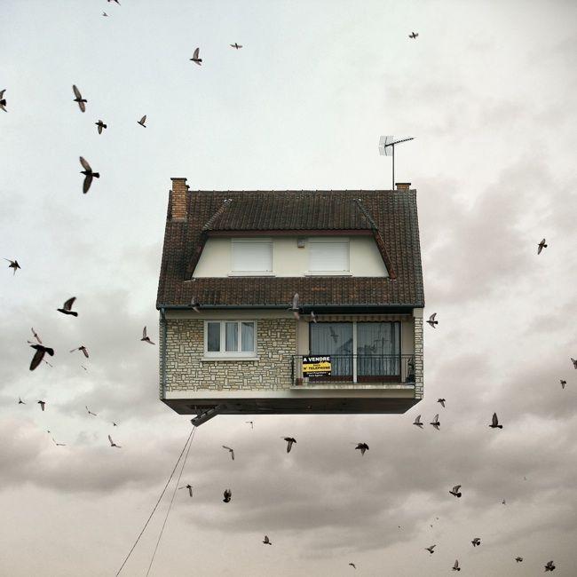 FOTOGRAFIA: Vi ricordate UP? Il fotografo Laurent Chehere si è evidentemente ispirato a quel film per realizzare i suoi scatti surreali :)  http://www.mymodernmet.com/profiles/blogs/laurent-chehere-flying-houses