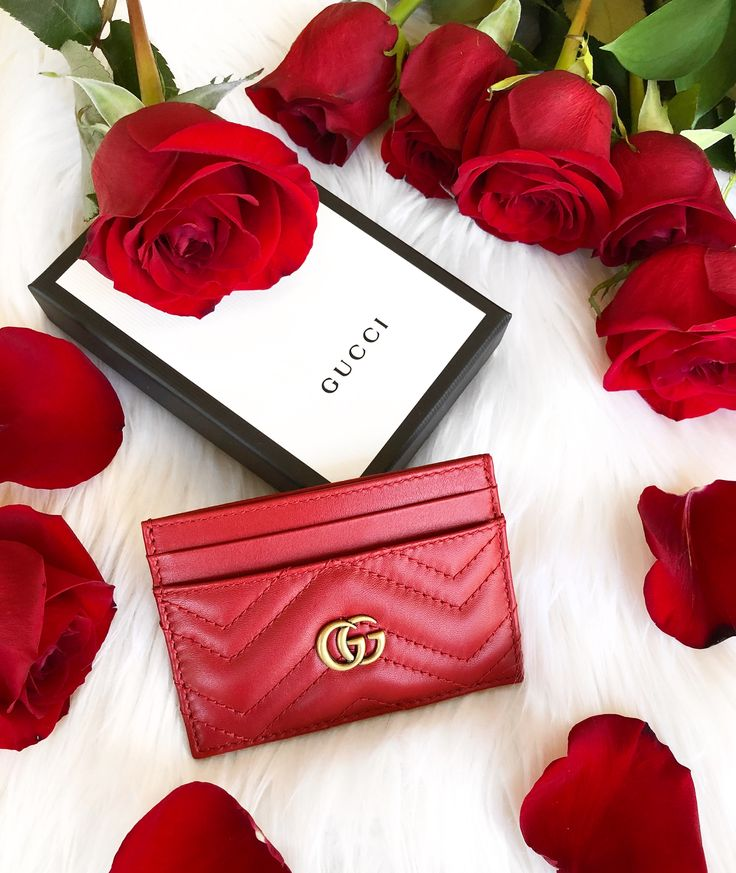 This promotion is brought to you by Joyfully Styled. The Gucci Card Holder will be awarded to the person with the most entries. Have fun!
