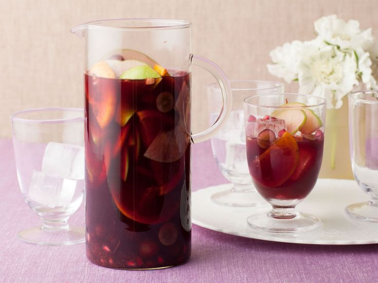 Pomegranate Sangria recipe from Bobby Flay via Food Network  This is the recipe that Tree uses.