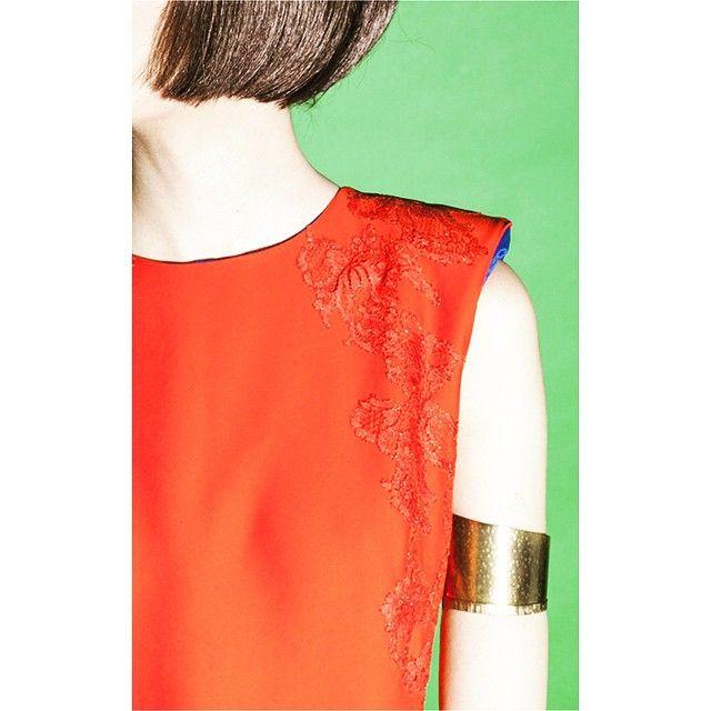 Red alert #parlor #parlorstudio #party #partydress #photoshoot #romaniandesigners #romania #chic #accesories #look #luxurybrand #lookoftheday