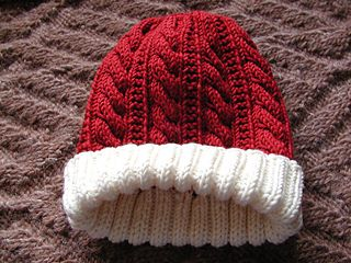 Gingerbread Cabled Hat (the red and white one would be great as a santa hat!!)