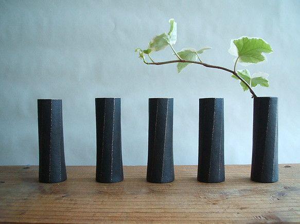 青銅一輪挿し Bud vase, bronze