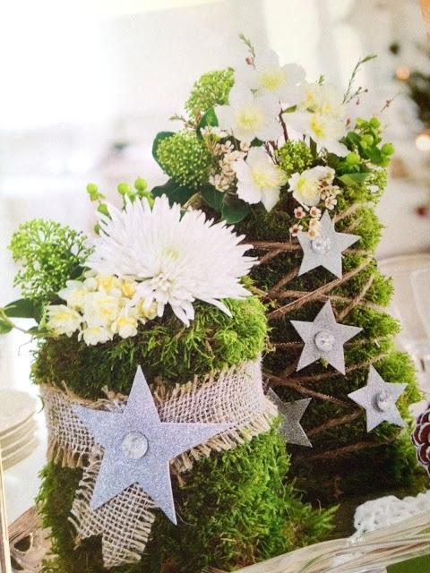 Tafel decoraties met wit en groen. Winter bruiloft inspiratie #TrouwPartners