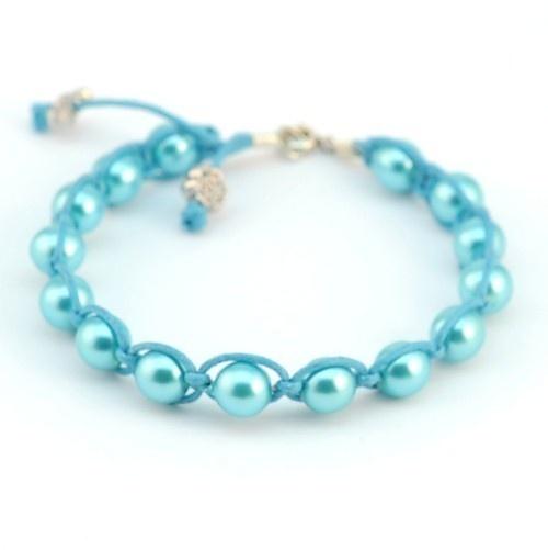 Macramé armband met turquoise kralen