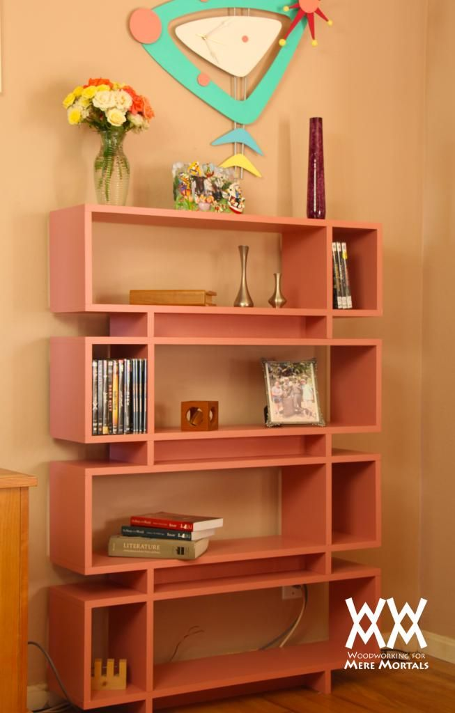 Woodworking videos and projects from Woodworking for Mere Mortals: Single-sheet-of-plywood bookcase. Very cool MCM project.
