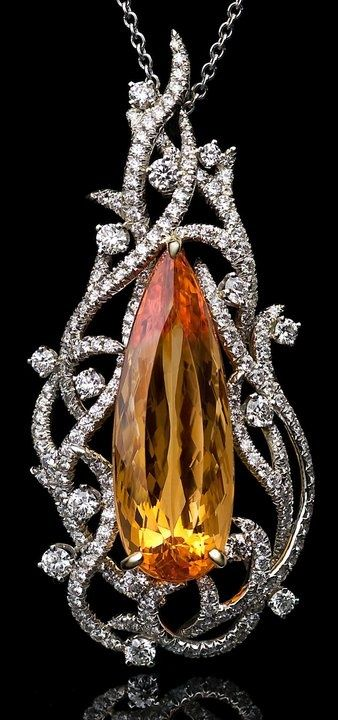 Fashion | Jewellery Antique |  Rosamaria G Frangini || Topaz Richard Krem