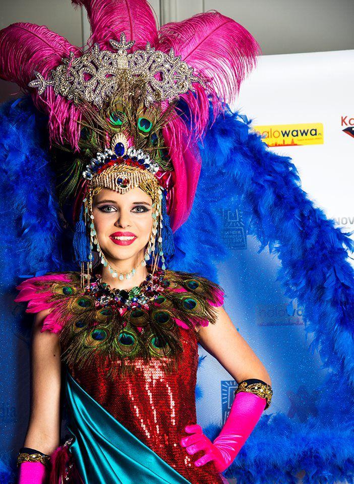 ECHA DREZDEŃSKIEGO BALU - GALA W WILANOWIE Kostium: Anna Konikowska modelka Debiutantka - Gabriela Stańczak Fot. Anna Przybysz www.wsa.art.pl