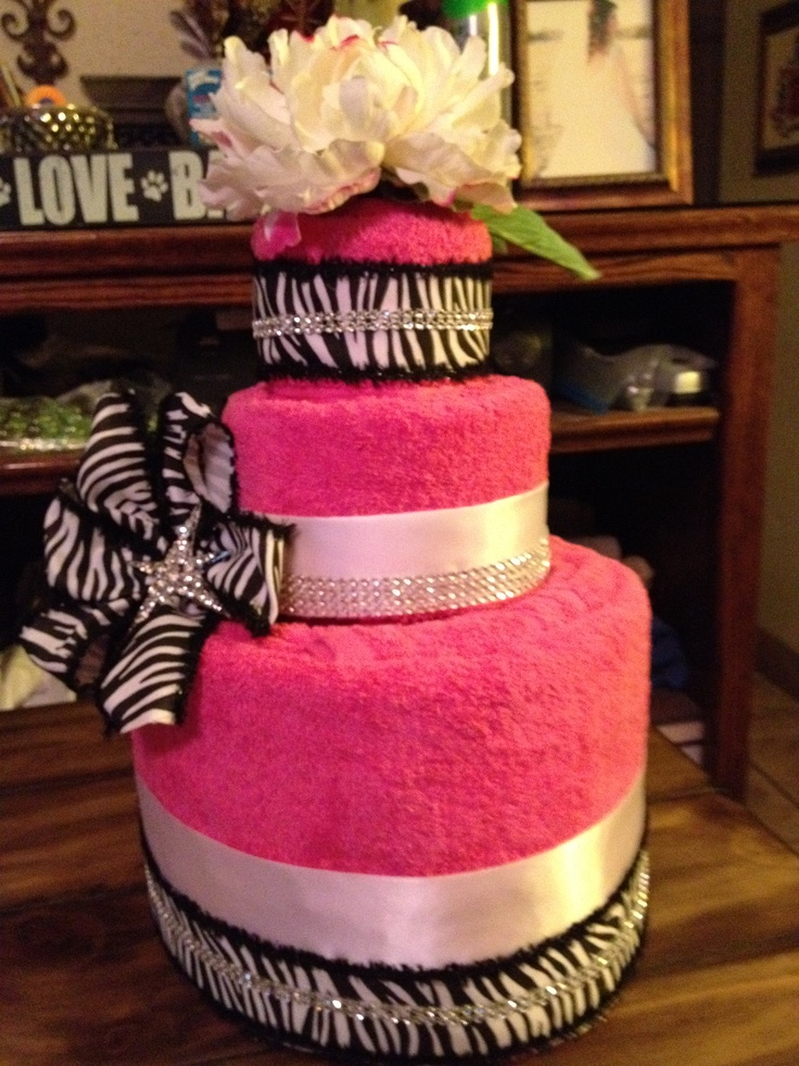 Bridal shower towel cake: Towel Cakes, Towels Cakes, Shower Towels, Bridal Shower