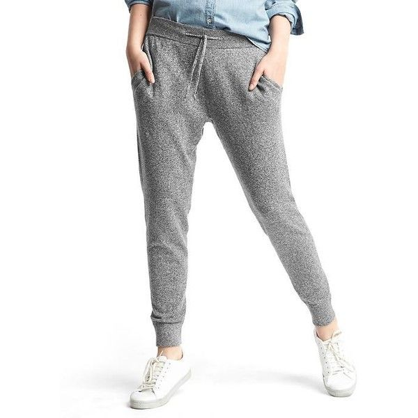 Gap Women Soft Joggers ($60) ❤ liked on Polyvore featuring activewear, activewear pants, heather grey, regular, gap activewear and gap sportswear