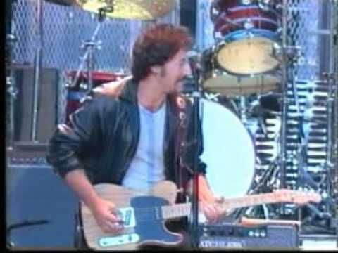 Bruce Springsteen & Chuck Berry - Johnny B  Goode (Live 1995) ... Chuck takes center stage...oh how I would have loved to be there!