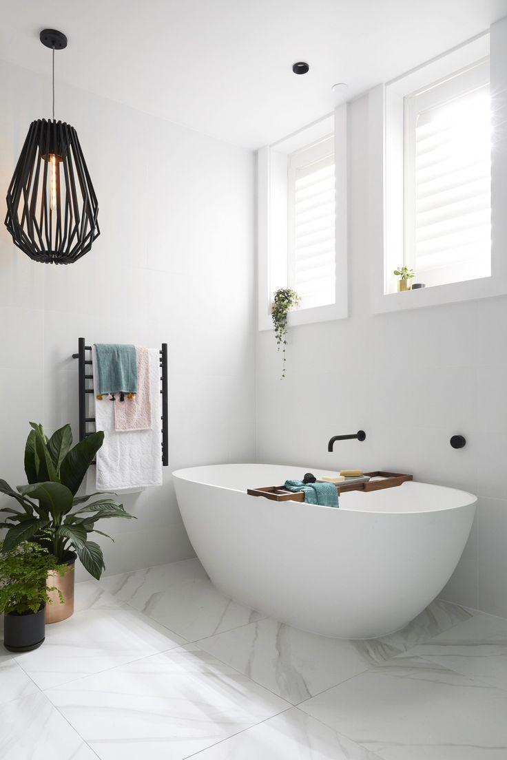 Wenn Es Zu Einer Renovierung Eines Badezimmers Kommt Kann Die Praktikabilitat Luxusbadezimmer Badezimmer Renovieren Badezimmer