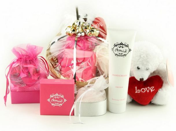 32 best gift hampers and baskets australia images on pinterest buy best gifts for women online gift idea for women negle Choice Image