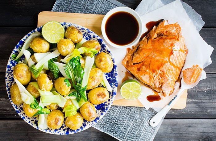 Recept på teriyakilax med vitlöksfräst pak choi- och potatissallad. Om du inte hittar pak choi så byt ut den mot mangold eller salladskål.