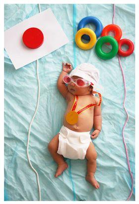 赤ちゃんが空をとぶ?かわいくて癒される『寝相アート』 - NAVER まとめ