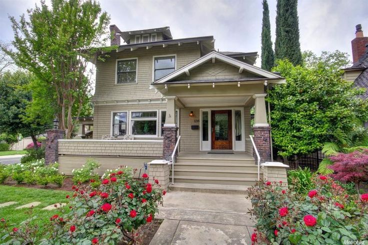 Fab 40's! I just love the charm & character of older homes. This one was built in 1910. It still has all the vintage charm of the era but modern amenities have been incorporated. What do you think?  Click link for full details & 26 pics 4 bedrooms 2.5 baths 2797 square feet 1910 year built $1,295,000 📍1216 39th St., Sacramento  Thinking about buying or selling a home? I can help! Let's discuss 📞  Cindy Buenrostro 🏡Lyon Real Estate DRE:01274034 ☎ 916.939.2551 📮cindyb@golyon.com
