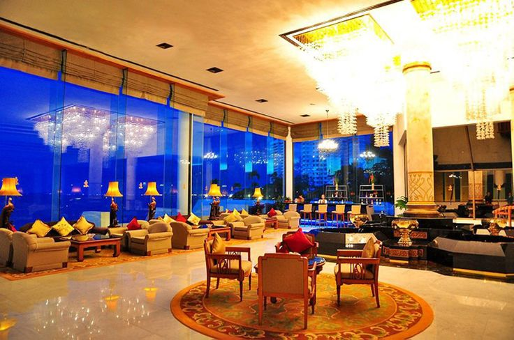 As the luxury flagship of the Royal Hotels Group, Royal Wing Suites and Spa features many exclusive facilities, service and benefits. Located in Pattaya, Thailand.