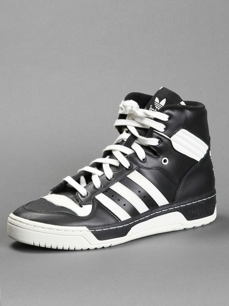 ADIDAS RIVALRY HI Q3 FIRST RELEASED IN 1986 AND MADE FAMOUS BY PATRICK  EWING, WITH