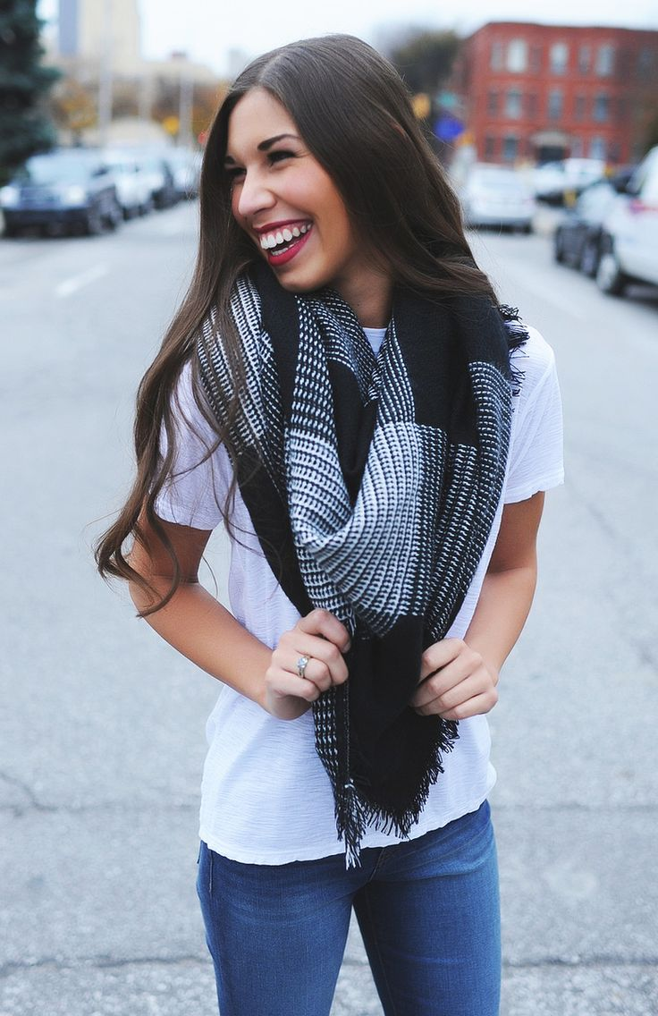 Checkered Blanket Scarf- Black/White - Dottie Couture Boutique