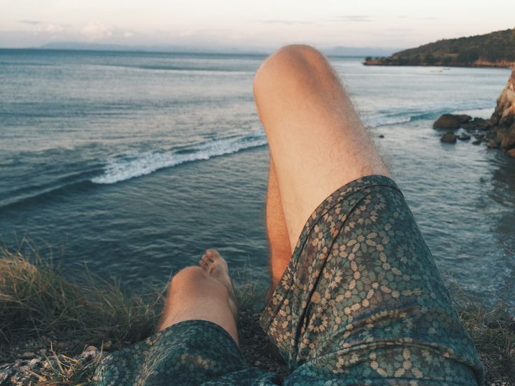 always copy me 🙄 DON'T COPY ME!!! #pink #pinkbeach #pantaitangsi #lombok #indonesia #beach #sea #life #backpacking #travel #travelgram #motorbike #thisismycartoonctlife