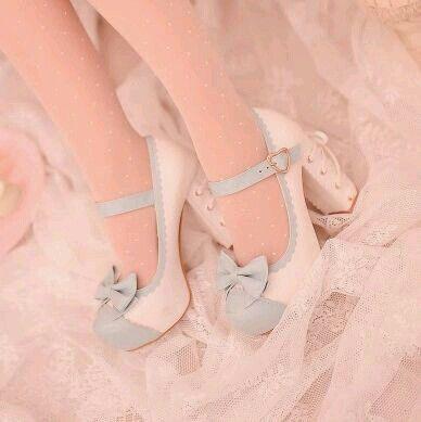 Sapatos hermosos blanco y celeste