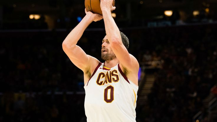 Struggling Cavs need to get ball to Kevin Love more, Tyronn Lue says - Sporting News