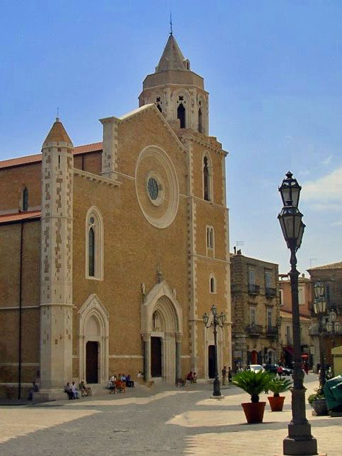 The Basilica Cathedral of Santa Maria in #Lucera, the province of #Foggia, is an example of the Gothic architectural style, which is rare enough for #Apulia. It was erected in 1302 by the order of Carlo II d'Angiò, after the Christian faith had been restored in this Apulian town in 1300. The influence of the style of French Gothic cathedrals is absolutely evident in the basilica. #AriaLuxuryVillas #SeasideLuxuryVillasPuglia