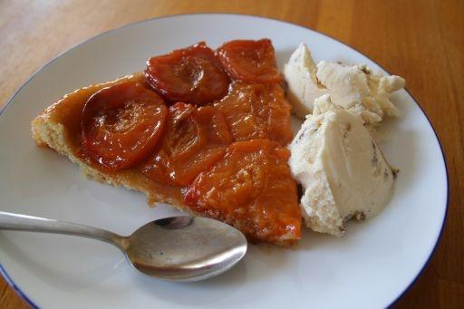 Apricot Tatin - Abricots à la Tatin | Pies and cakes | Pinterest