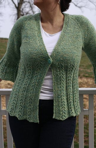 Seaside Cardigan by Denise Ann is a top down cardigan with a flourish of lace to flatter every shape. I think I need a mother cardigan! and the pattern is FREE on Ravelry!