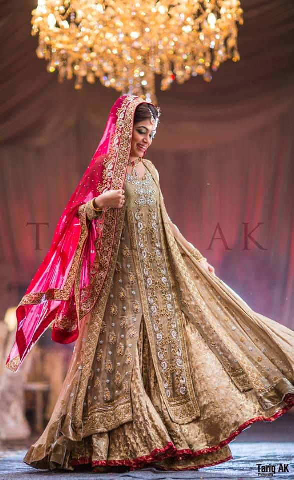 Gorgeous Pakistani Bridal Lengha!