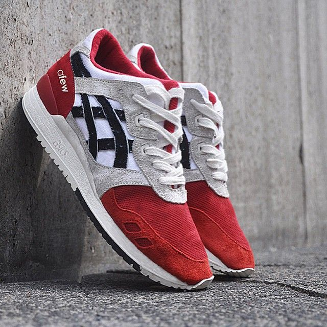 Remember those handcrafted @afewstore x @asics Gel Lyte 3 #KoiKlub 1/1