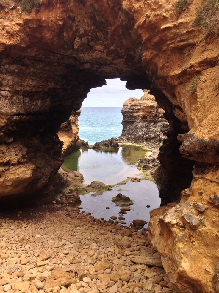 The Grotto on the Great Ocean Road.