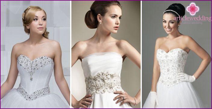 Vestidos de novia con un corsé de perlas - una revisión de los modelos más populares y accesorios a ellos con fotos