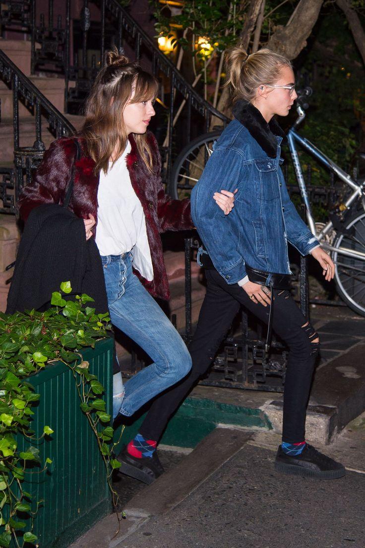 #DakotaJohnson Spotted In New York City 10/11/16