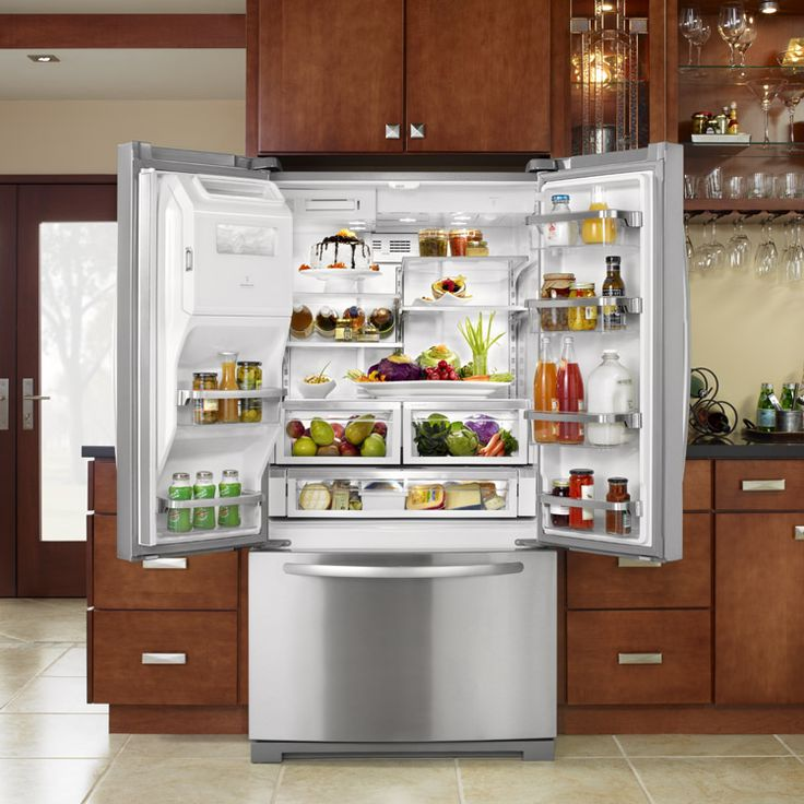 The Preserva™ Food Care system for side-by-side refrigerators is introduced. The food care system includes a Sequential Dual Evaporator System, a distinctive technology that optimizes humidity levels to help keep food fresher longer. A dual evaporator system allows the refrigerator and freezer compartments to run independently, monitoring temperatures for both sides. #KACulinaryTimeline