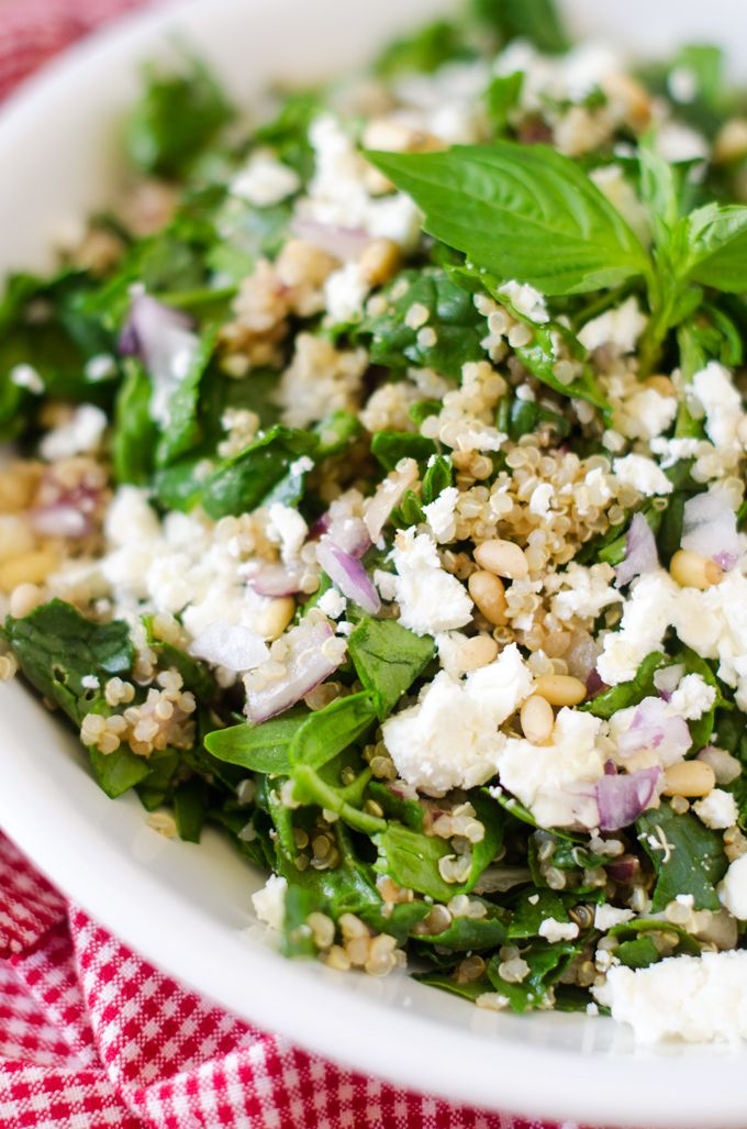 Spinach and quinoa salad with feta and pine nuts