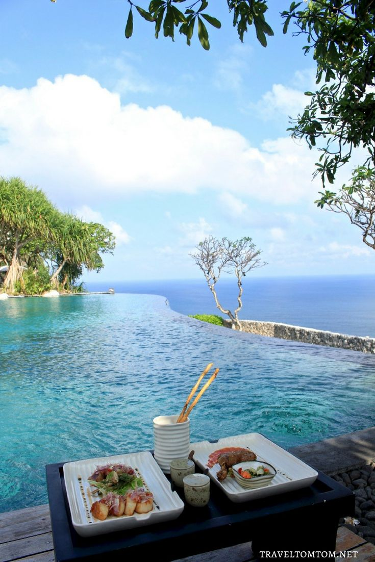 I will never get used to a lunch with this view and no this life never gets boring and no I never get lonely either. Yes I know I cant do this the rest of my life that is why I am doing it right now! Bulgari Resort Bali